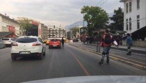 Gençlerin trafikte ölüm oyunu - Bursa Haberleri
