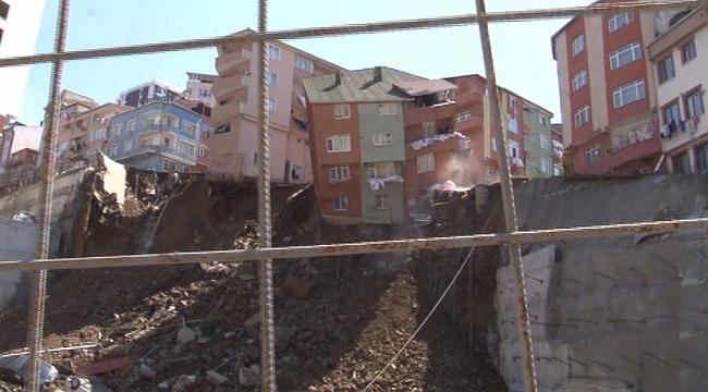 İstanbul'da bina böyle çöktü