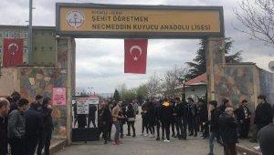 Öğrencisi tarafından öldürülen öğretmenin ismi okula verildi