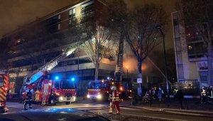 Paris'te bir binada patlama: Yaralılar var