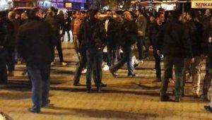 Partililer arasında konvoy gerginliği çıktı, polis havaya ateş açtı