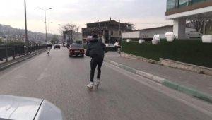 Patenli gençlerin trafikte tehlikeli yolculuğu - Bursa Haberleri