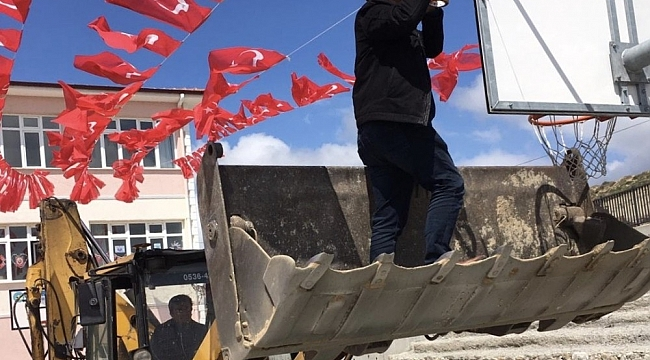 Seçim bitti, bayraklar müdüre kaldı - Bursa Haberleri