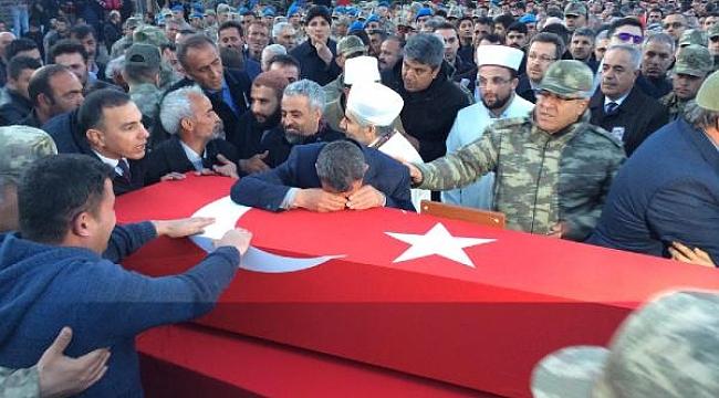 Şehit asker, Iğdır'da gözyaşlarıyla toprağa verildi