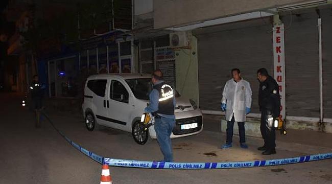 Sokak ortasında silahlı saldırıya uğrayan kişi öldü