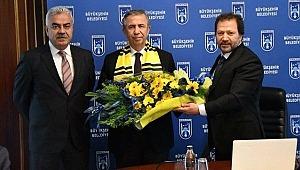 Süper Lig ekibinden Mansur Yavaş'a ziyaret