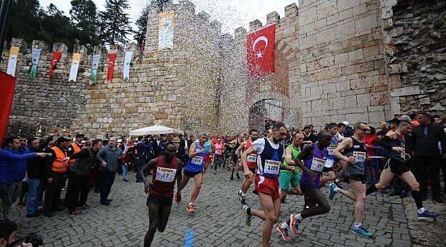 Tarihi maratona Kenyalı damgası - Bursa Haberleri