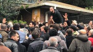 Üsküdar'da seçim kurulu önünde kavga