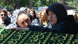 Yatağında ölü bulunan öğretmen için gözyaşları sel oldu