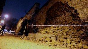 Yıldız Parkı'nda tarihi duvar çöktü