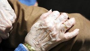 102 yaşındaki kadın, 92 yaşındaki oda arkadaşını vahşice öldürdü