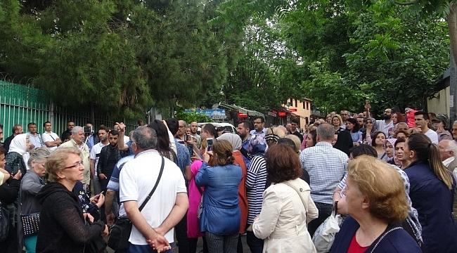 3 hastanenin kapatılacağı iddiası odalar ve esnafı sokağa döktü - Bursa Haberleri