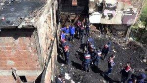 3 kişinin öldüğü belirtilen yangınında, kemikler hayvanlara ait çıktı