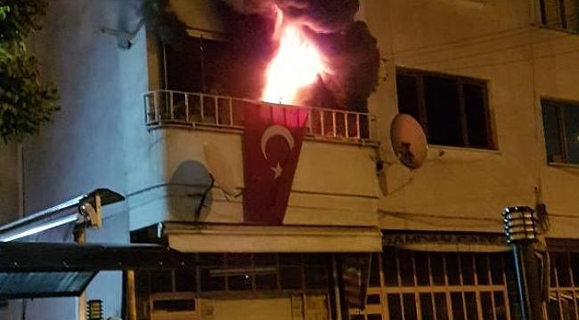 5 katlı apartmanda çıkan yangında 14 kişi dumandan etkilendi