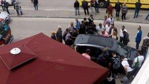 Araç içerisinde mahsur kalan küçük çocuğu itfaiye kurtardı - Bursa Haberleri