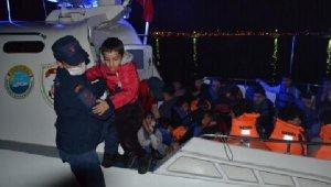 Ayvalık'ta 33 kaçak göçmen yakalandı