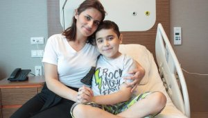 Azeri çocuğa Türkiye'de ikinci hayat