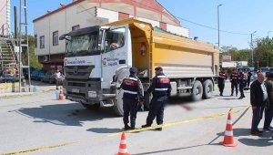 Bir kişinin öldüğü kaza sonrası hafriyat kamyonu isyanı