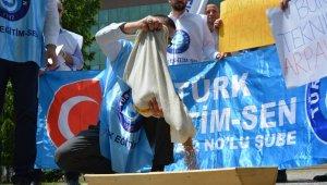 BTÜ'de arpalı protesto - Bursa Haberleri