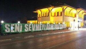 Bursa şehri pankartlarla süslendi, Göztepe maçı kapalı gişe oynanacak - Bursa Haberleri