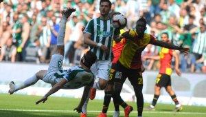 Bursaspor Göztepe maçının ilk yarısında gol sesi çıkmadı - Bursa Haberleri