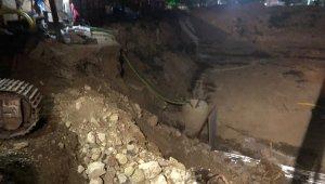 Çöken bariyerler doğalgaz borusunu patlattı