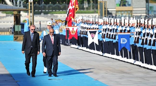 Cumhurbaşkanı Erdoğan, Abdulmehdi'yi resmi tören ile karşıladı
