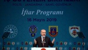 """Cumhurbaşkanı Erdoğan: """"Son FETÖ'cü hain de yargıya hesap verene kadar bu mücadele sürdüreceğiz"""""""