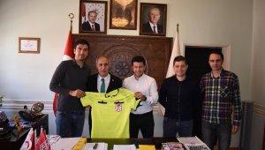 Davut Aydın'a Süper Lig hakemlerinden ziyaret - Bursa Haberleri