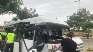 Denizli'de öğrenci servisi kazası: 14 yaralı