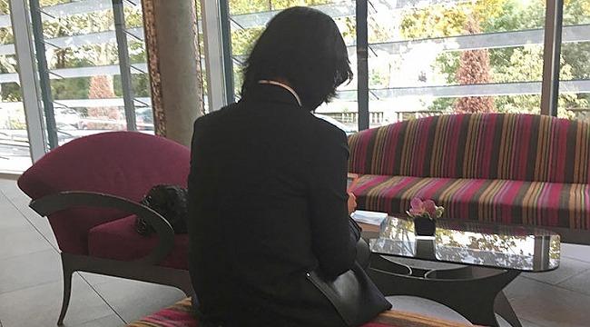 Eşi Çin'de tutuklandı, kendisi Fransa'ya iltica etti