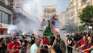Fatih'in gemisini karadan yürüttüler - Bursa Haberleri
