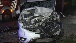 Halı sahadan dönen gençler minibüsle kaz yaptı: 14 yaralı