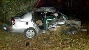 İki otomobil çarpıştı, 1 ölü 3 yaralı