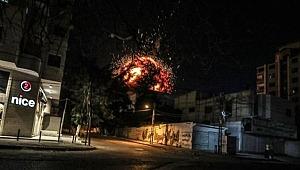 İsrail, Gazze'de Anadolu Ajansının ofisinin de bulunduğu binayı vurdu