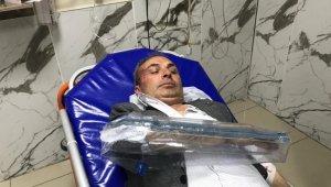 İşten çıkarılan iki kişi Belediye Başkan Yardımcısına saldırdı