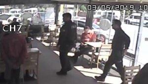 Kafede kimlik soran polise silah doğrulttu