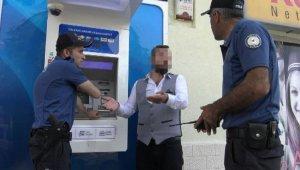 """Kira parasını yutan ATM'yi parçaladı, """"Vur kır dediler"""""""