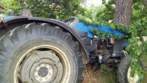 Korkunç ölüm... Traktör ile ağaç arasında kalarak can verdi