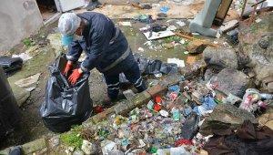 Kötü koku gelen evden 3 ton çöp çıktı - Bursa Haberleri