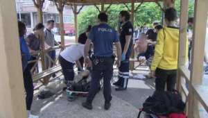 Liseliler arasında çıkan kavgada 3 öğrenci bıçaklandı