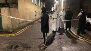 Londra'da silahlı saldırgan camiye girmeye çalıştı