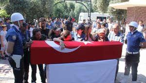 Meslektaşı tarafından öldürülen kadın polis Mersin'de toprağa verildi