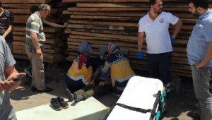 Otomobil kereste istifine çarptı, sürücü ağır yaralandı - Bursa Haberleri