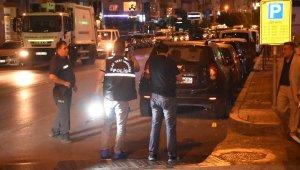 Otomobilde Oturan Baba-Oğula Silahlı Saldırı