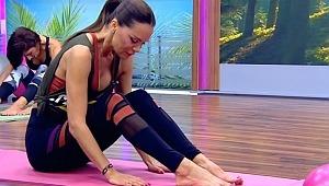 Pilates pozuyla vücudunun sınırlarını zorladı