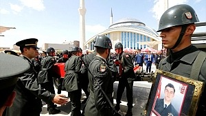 Şehit Yüzbaşı Celaleddin Özdemir'in Cenazesinde 34 Şüpheliye Gözaltı