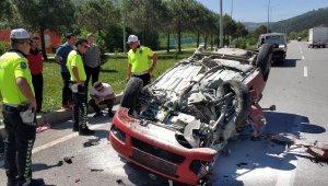 Sınava yetişmek isterken kaza yaptılar, 2 yaralı