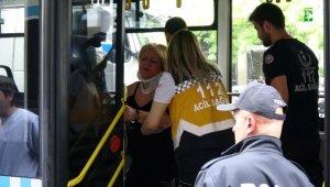 Şişli'de taksiye çarpan otobüsteki yolcu yaralandı