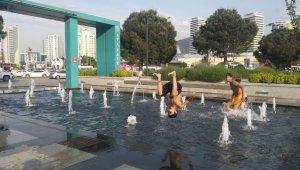 Süs havuzlarında tehlikeli eğlence - Bursa Haberleri